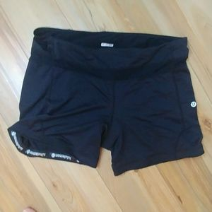 EUC Lululemon cycling bike shorts spandex 12